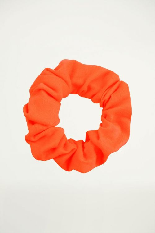 Neon oranje scrunchie, haarelastiek