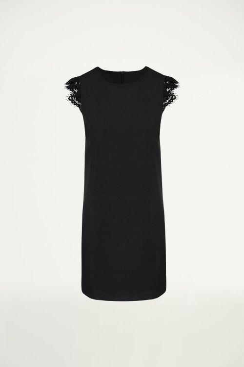 Zwart jurkje met kanten mouw, Jurkjes