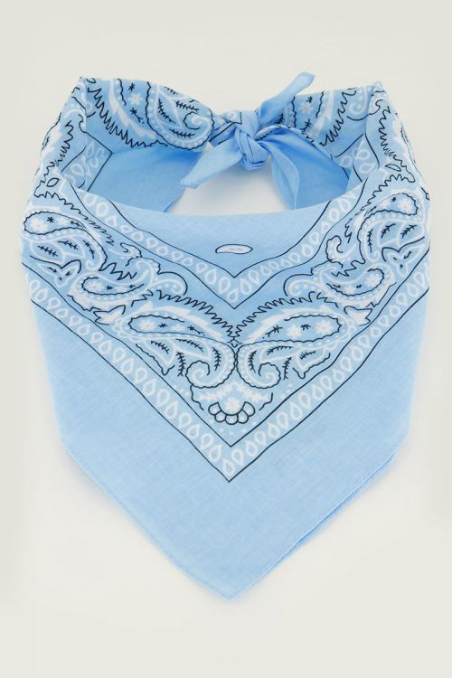 Lichtblauw sjaaltje bandana print