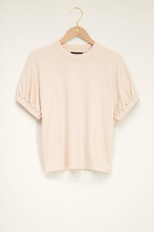 Beige shirt met elastische mouwen