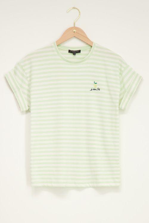 Groen t-shirt met strepen en lemon