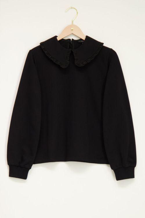 Zwarte sweater met kraag