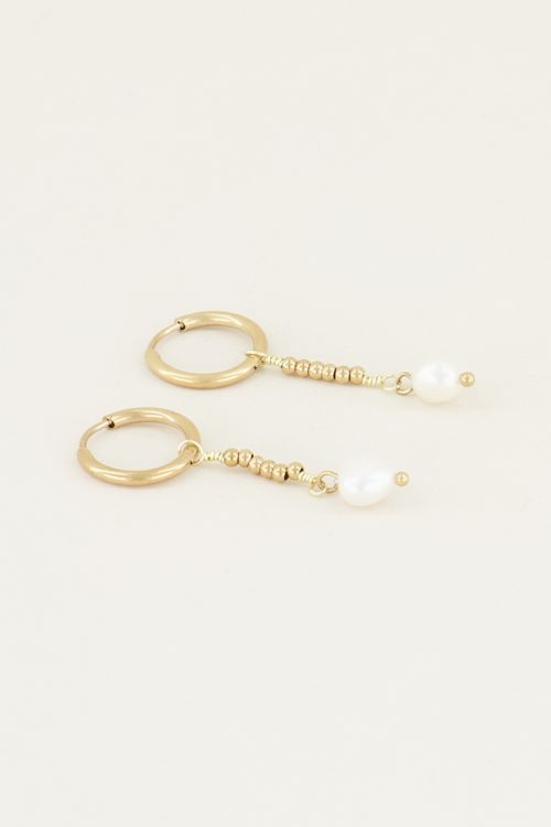 Parel oorbellen met hanger   Oorbellen met parel bij My Jewellery
