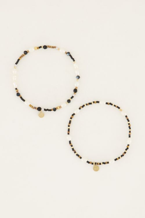 Shapes zwarte kralen armbanden set