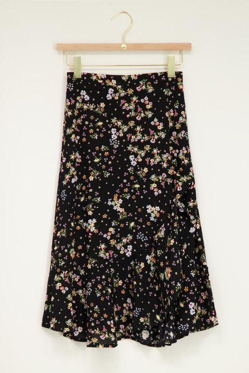 Zwarte midi rok met bloemen