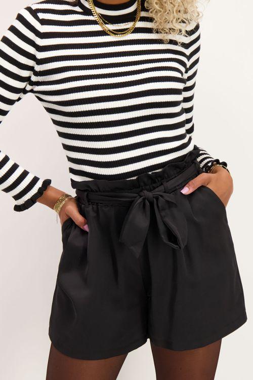 Zwarte short satijnen look | Korte broek | My Jewellery