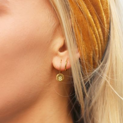 One Piece Initial Earring A-Z - Gold