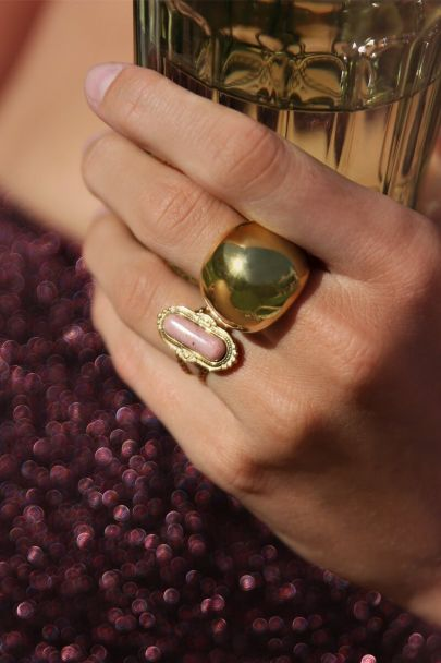 Statement ring bold