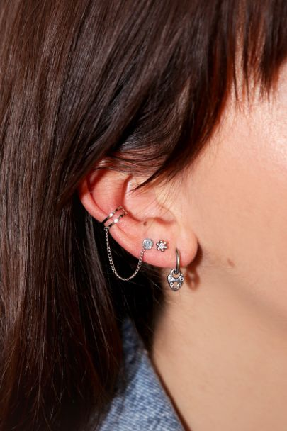 Ear cuff smiley stud
