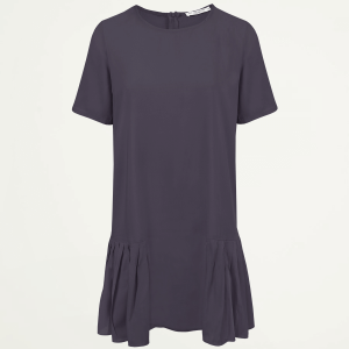 Donkerblauwe jurk met plooien