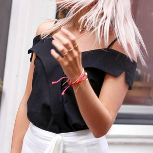 Zwarte off shoulder body
