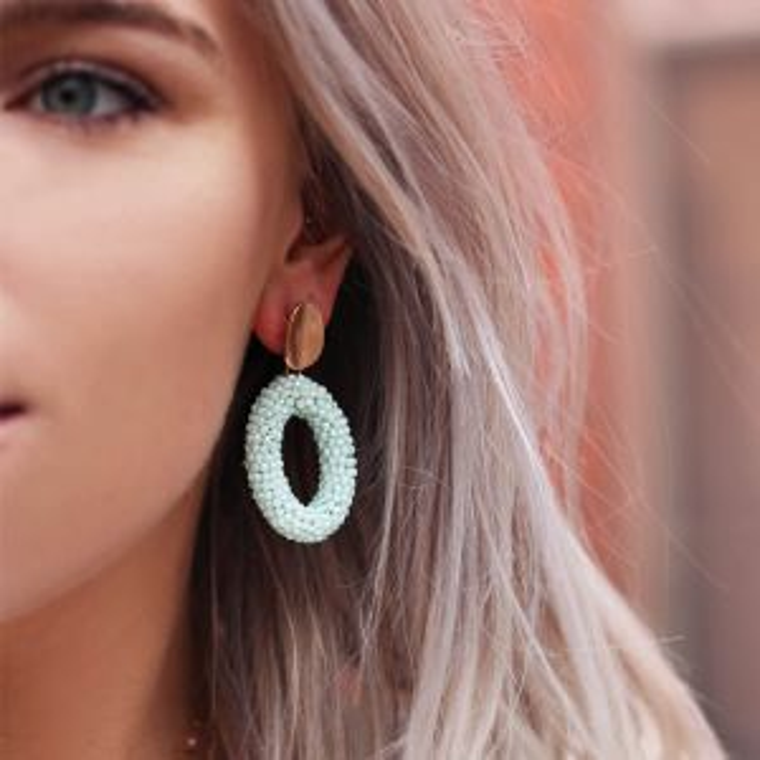 Mintgroene oorhangers kristal