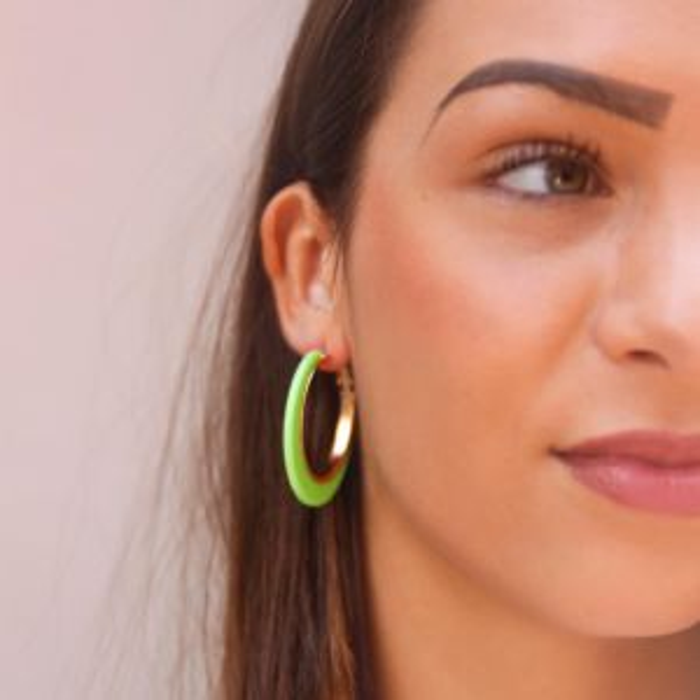 Neon groene oorringen