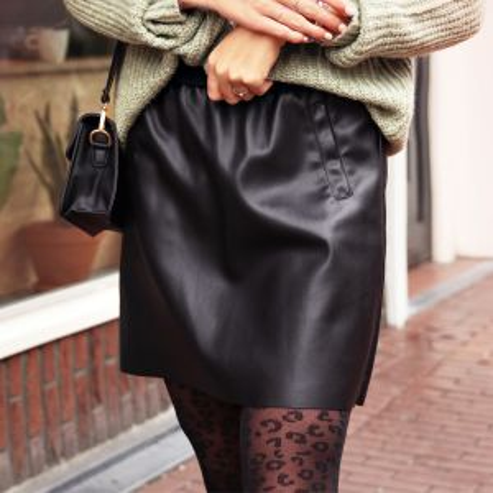 Zwarte a-lijn rok leatherlook