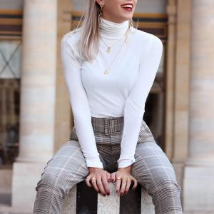 Witte Turtleneck Top