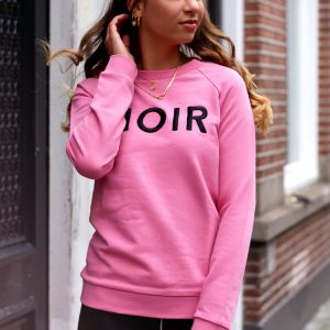 Pink Sweater Noir