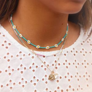 Turquoise choker madeliefjes