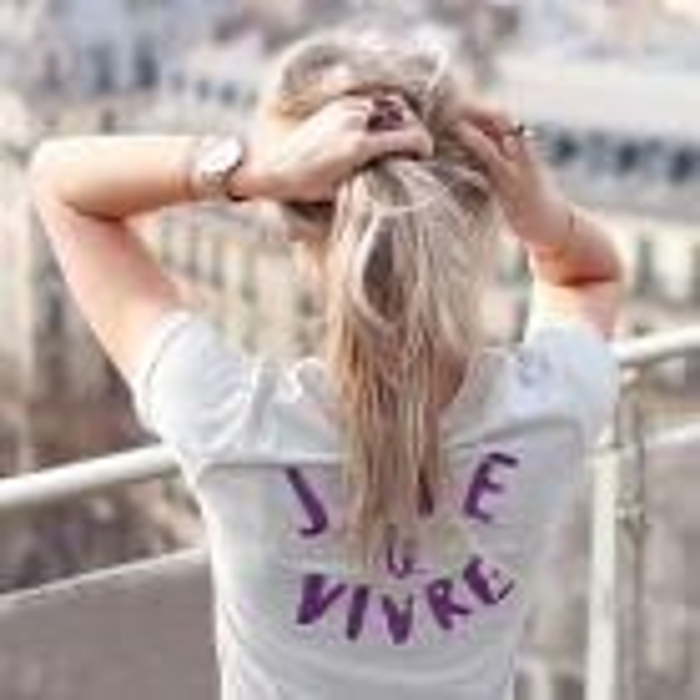 T-shirt quote licht grijs paars