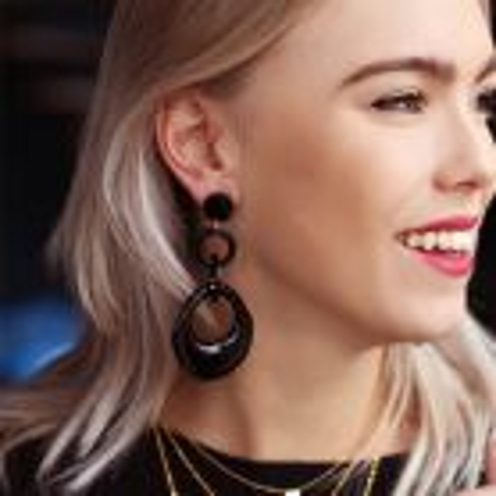 Oorbellen driedubbele ring zwart, Statement oorbellen