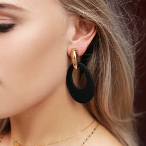 Leather oval earring - Black