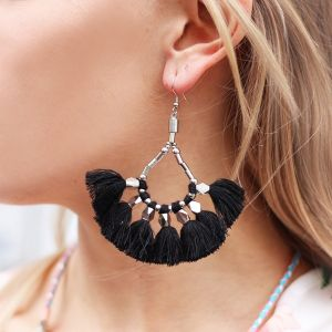 Bead tassel earrings black