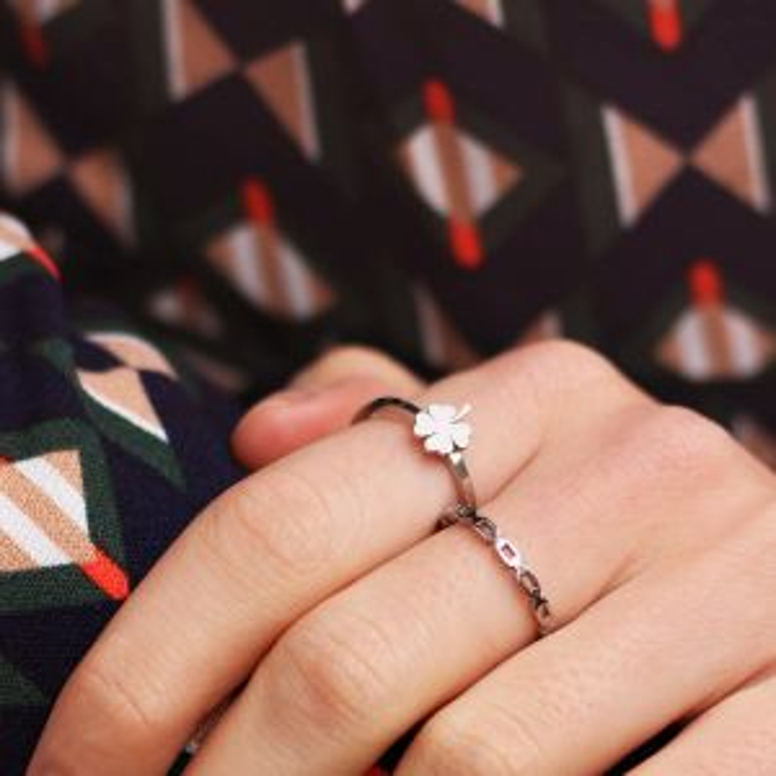 Zilveren ring met brede schakels