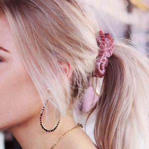 Old Pink Velvet rib scrunchie