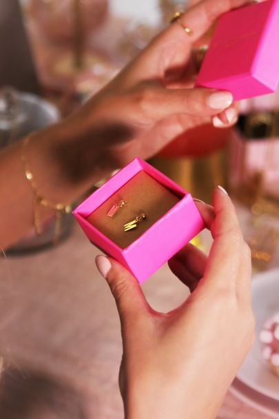 Neon pink studs giftbox